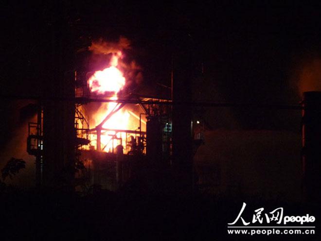 2011年9月,高桥化工发生过一起爆炸事故,搬迁传闻一度尘嚣直上
