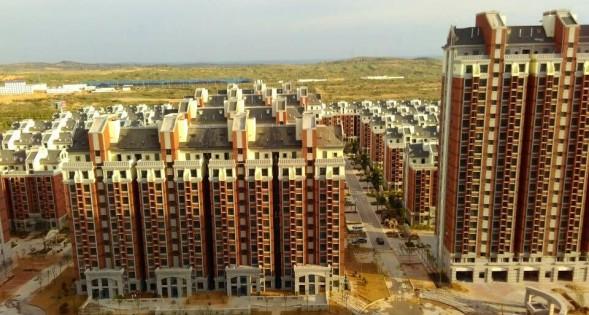 榆林市横山县凤凰新城小区是榆林最大的限价房小区,共2048户,交房近2年,入住不足20户,是公租房空置的代表
