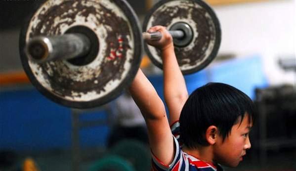 举重运动对人体的损伤非常大,退役后若无妥善安置处境堪忧