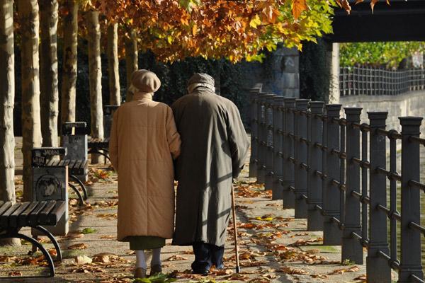 """老年人被认为是""""等待死亡""""的人,他们的死似乎就是合理现象"""