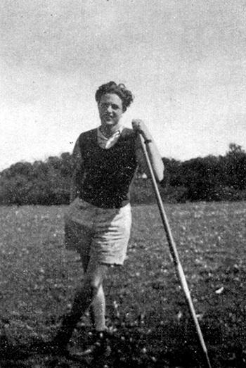 1946年乔治·索罗斯的父亲蒂瓦达·索罗斯(Tivadar Soros)在匈牙利