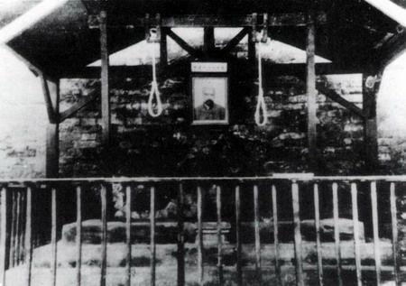 李大钊的绞刑架照片