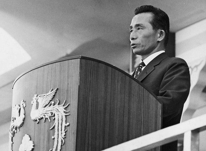 决策出兵越南的韩国总统朴正熙