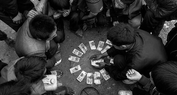 农村聚众赌博,是惯常娱乐项目,即使不过年,也是如此