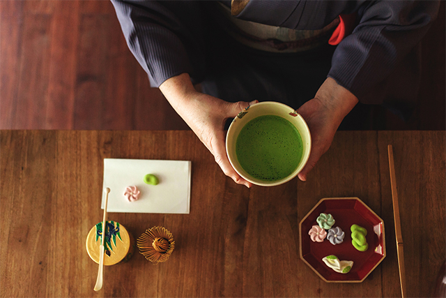 这种来自福建的茶碗画出日本茶道七百年文化主线
