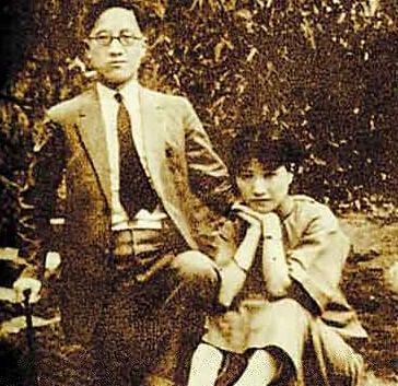 徐志摩与陆小曼在杭州西湖边的合影
