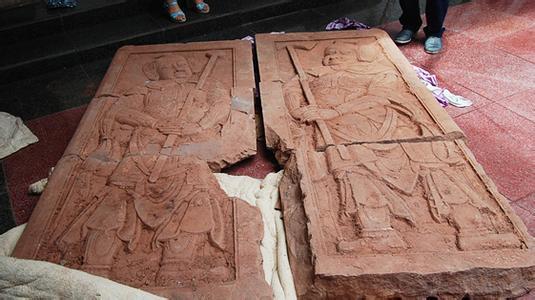 盗墓者无所不偷,古墓重达1吨重墓门也被盗
