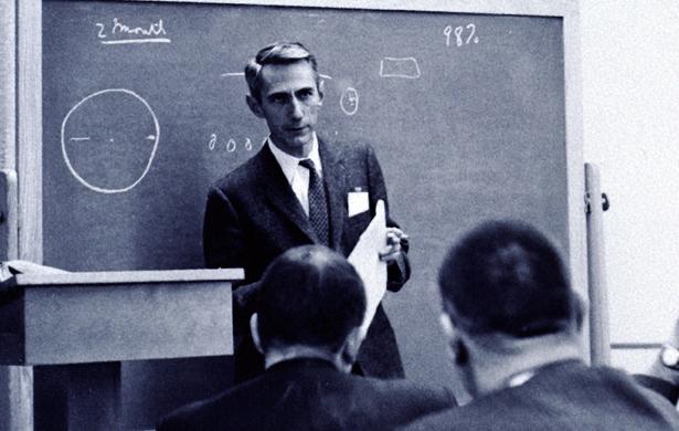 他贡献大于爱因斯坦,玩股票能赢过巴菲特
