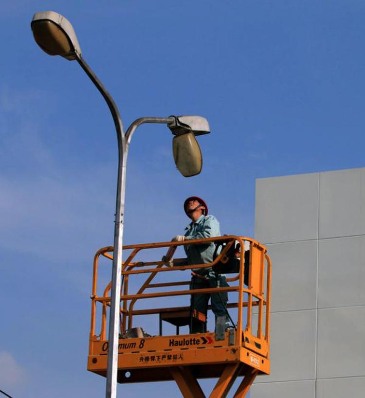 小小路灯也是贪腐高发的市政项目