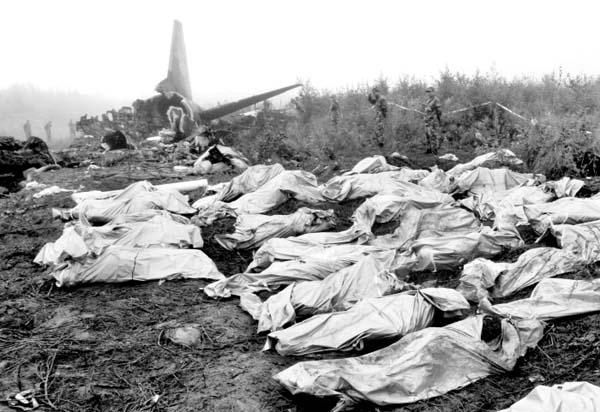 伊春空难中,逃跑机长的相应责任并没有得到追究
