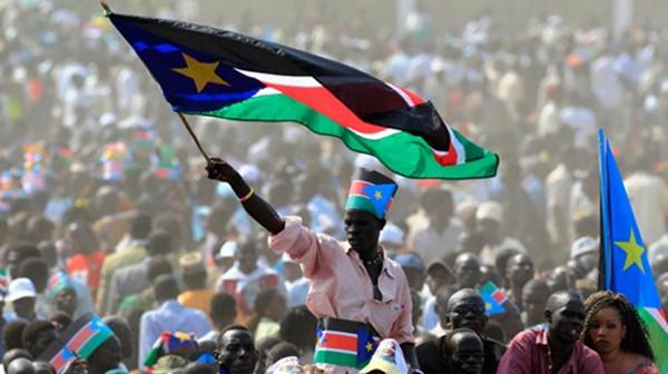 南苏丹独立后,因国内政治和经济利益冲突,并未实现和平