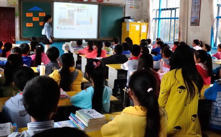 如何让边远地区的孩子得到合格的基础教育,不是送几次温暖下乡就能解决的