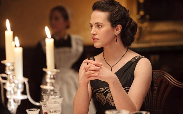 《唐顿庄园》中叛逆的Sybil