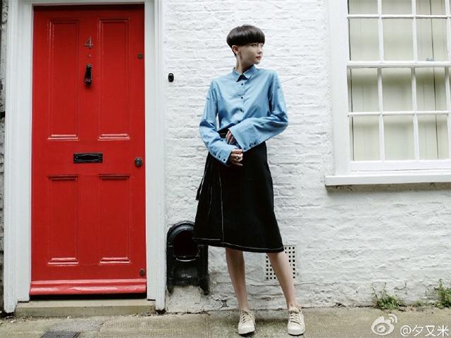 离婚的徐粲金(夕又米)创办了自己的服装设计工作室