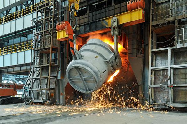 东北特钢的债务问题可以说是辽宁省经济状况的微观反映,如果类似的企业破产会导致大量失业