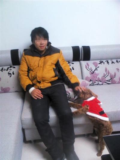 因网购了24支仿真枪被判无期的刘大蔚。 图片来源:新京报