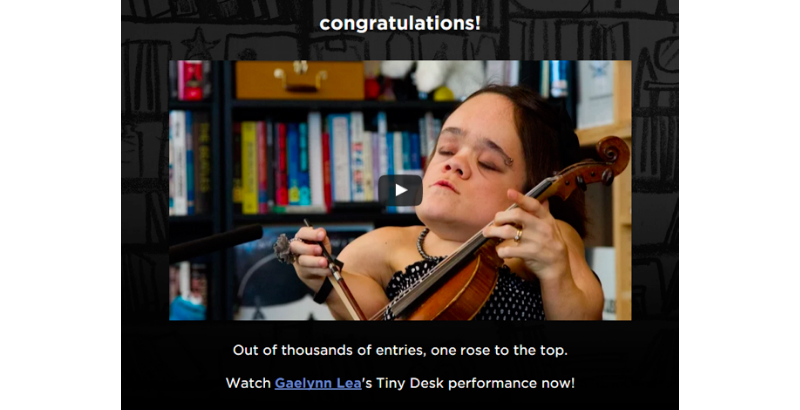 "2016年""Tiny desk contest""的获胜者Gaelynn lea"