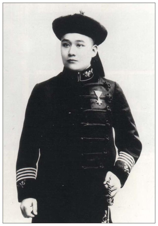 1903年将照相引入清皇室的裕勋龄