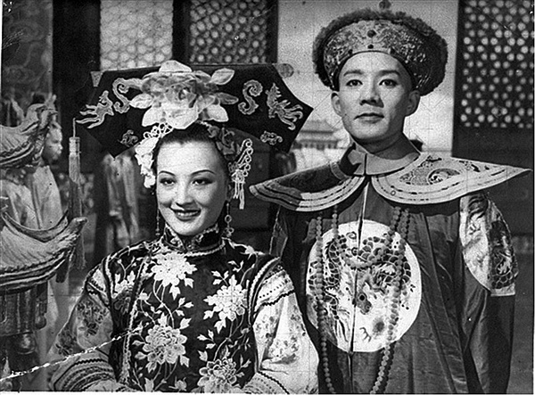 《清宫秘史》(1948)剧照,周璇饰珍妃