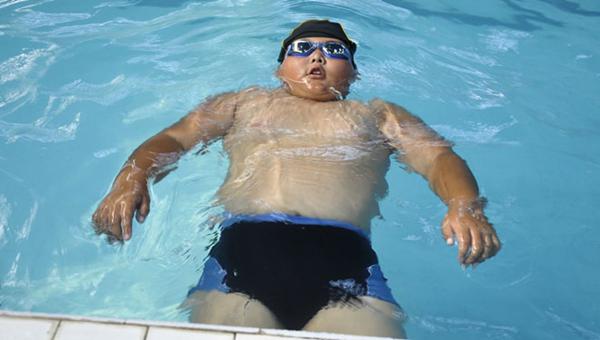 随着国人生活水平的提高,青少年肥胖的问题越来越严峻