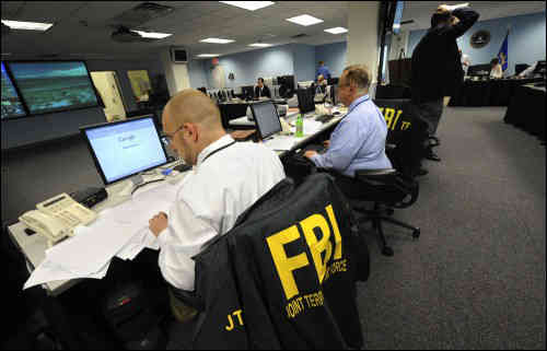 "FBI在暗网建""钓鱼网站""查获儿童色情犯罪集团"