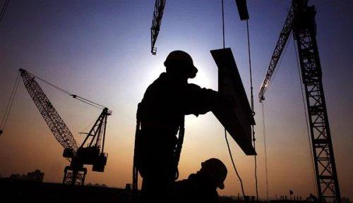 现行土拍规则压缩了开发商的利润空间,那么开发商可能就要通过压缩建设成本来找补回来