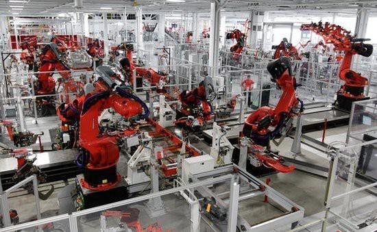 """众多机器人在富士康""""上岗"""" 一些生产岗位的替代率已达70%"""