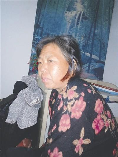 这几天,恐怕很多人都对这张赵大妈的旧照很熟悉了――一个普通的、操劳的妇女,靠着辛勤劳作养活自己