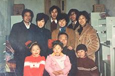 【图话】网友晒春节老合影 回忆旧时光