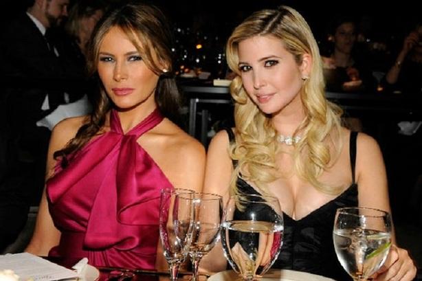 很多观察者认为,伊万卡(右)可能会取代梅拉尼娅在白宫中的地位