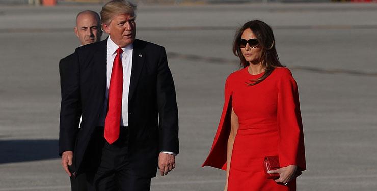 特朗普与梅拉尼娅在机场出现尴尬一幕