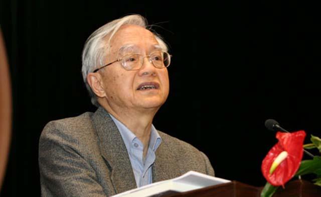 图为国务院发展研究中心研究员,著名经济学家 吴敬琏