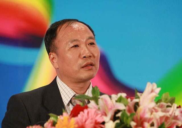 图为国家信息中心首席经济师  范剑平