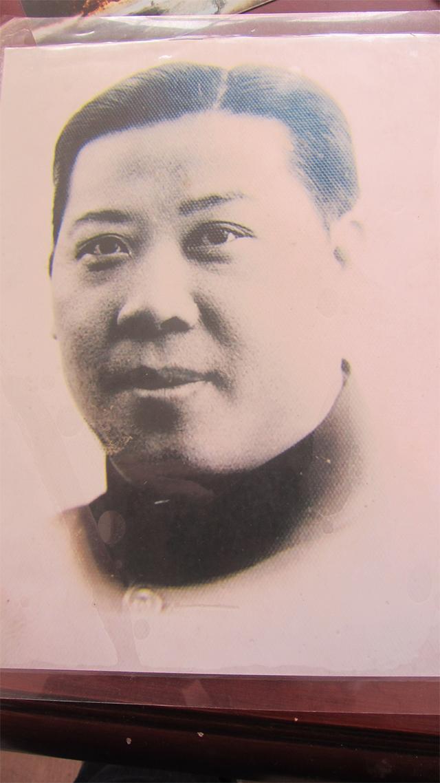 杨大方的父亲杨惠风,1941年感染鼠疫死亡,时年39岁