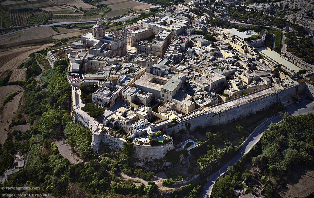 图11:拥有城墙的姆迪娜