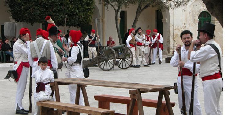 图14:马耳他人重现他们反对法国人的起义