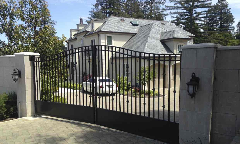 蒂凡尼·李位于加州希尔斯伯勒的豪宅