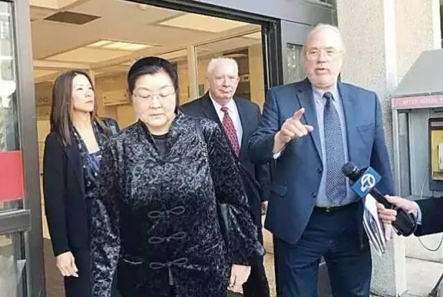 李女士母亲旁听了庭审