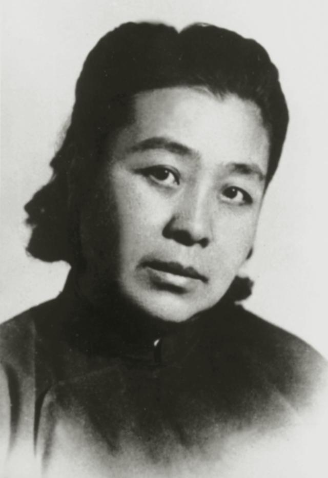 丁玲,1948年摄
