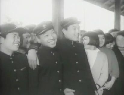 到达大阪的集团就职青年