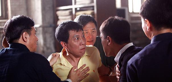 近几年中国最好的翻拍作品就是翻拍自《十二怒汉》的电影《十二公民》,而它的成功也是依靠本土化的意识和细节支撑起来的