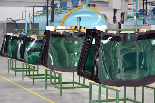 就近在北美市场销售挡风玻璃,是福耀赴美办厂的重要原因