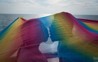 公海上的彩虹