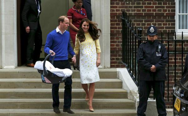 凯特王妃产后仅十小时,就在公众面前亮相