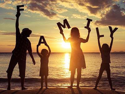 很多人都喜欢分析原生家庭的错,给自己的不痛快找借口
