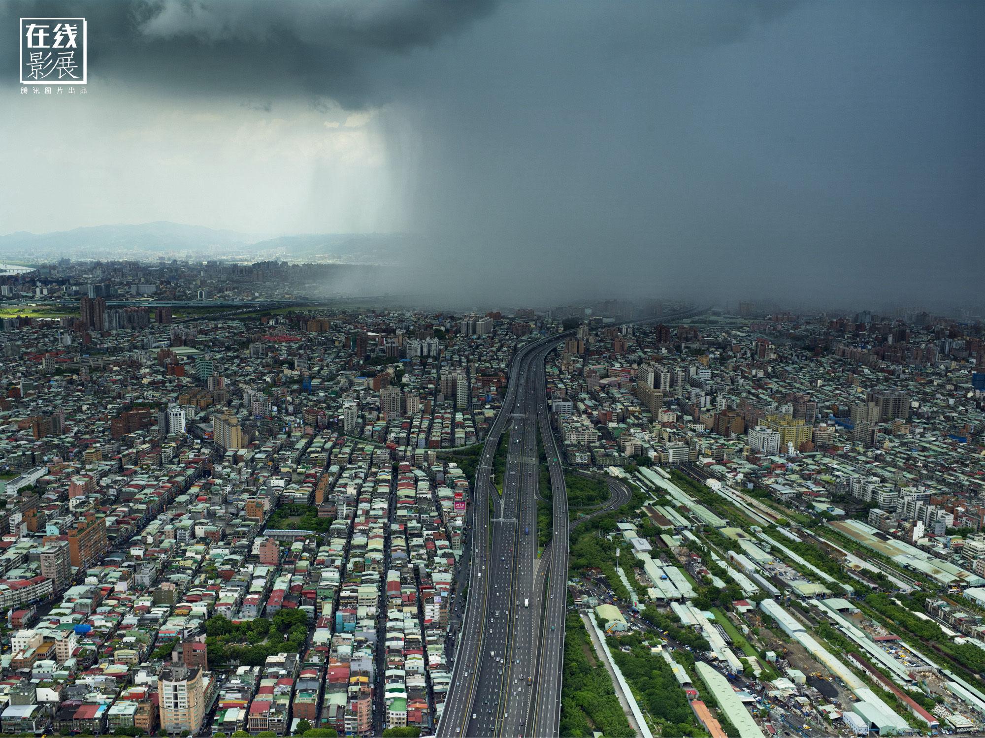 在坠机身亡前,他航拍下最美的台湾(高清组图)