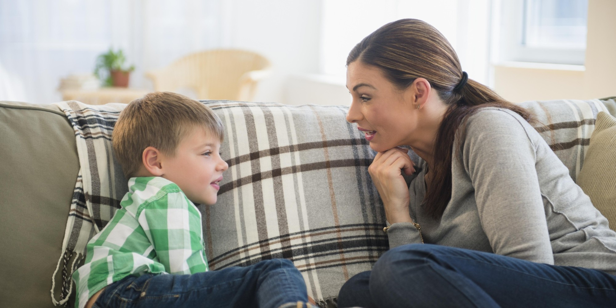跟孩子谈论与性有关的内容,可以从很早就开始