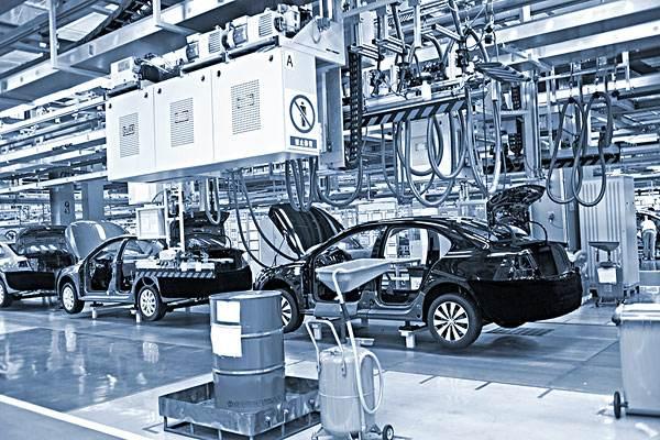 2009年,中国汽车产销双双超过1300万辆,成为全球最大的汽车生产国和最大的新车消费市场,很多人将这一年称为中国汽车社会元年
