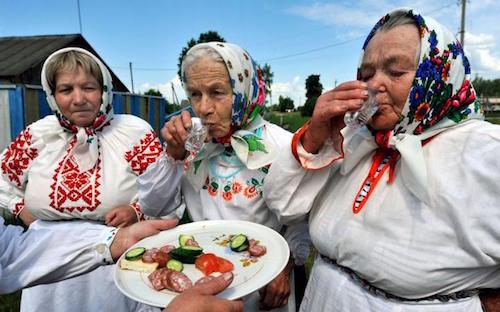 俄罗斯人酗酒和寒冷的气候条件有关