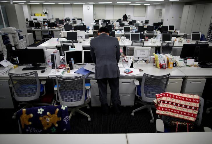 少子化老龄化背景下,劳动力短缺已成为重要的社会问题